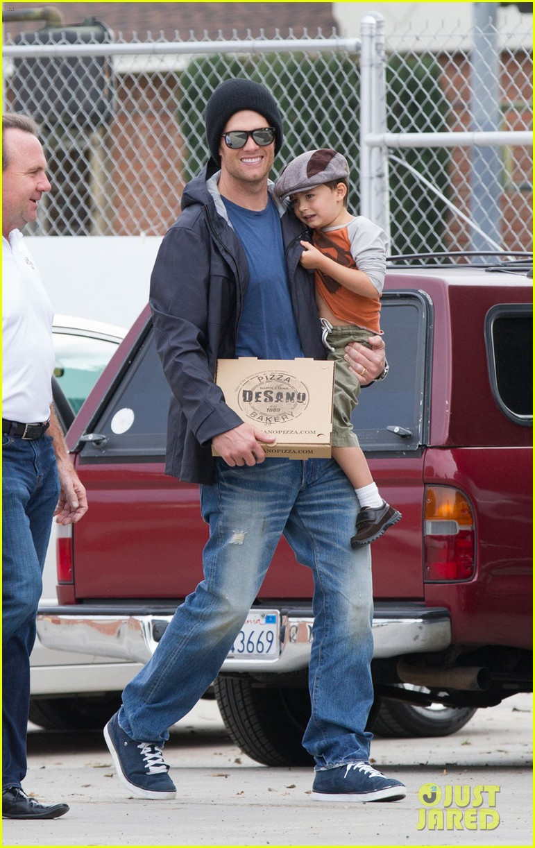 gisele bundchen tom brady separate coasts with the kids 09
