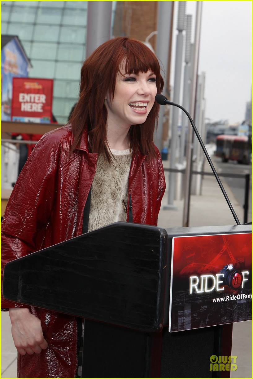 carly rae jepsen honoree at gray line ride of fame event 02