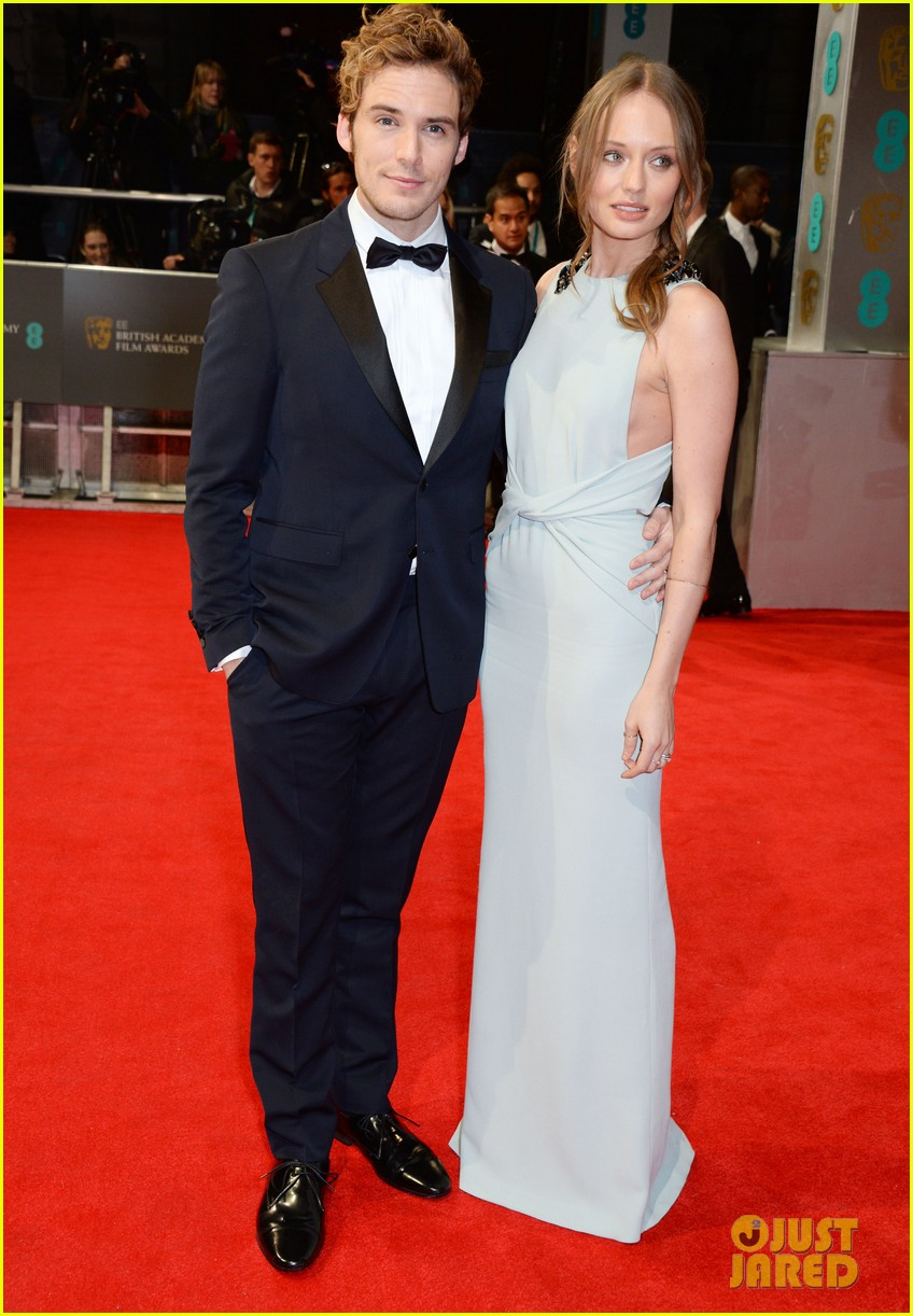sam claflin baftas 2014 red carpet 01
