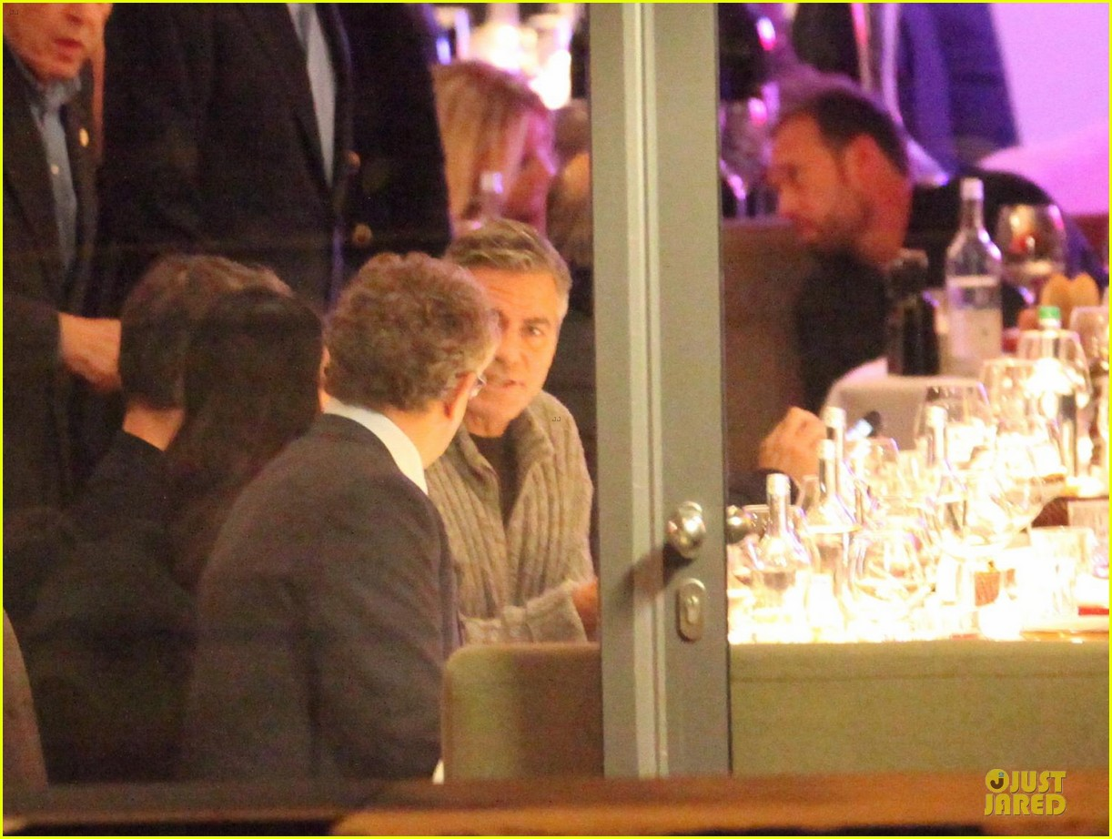 george clooney matt damon monuments men cast dinner before berlin film festival 05