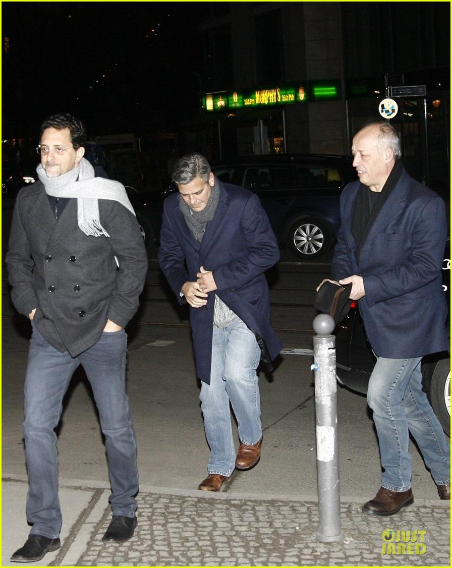 george clooney matt damon monuments men cast dinner before berlin film festival 19