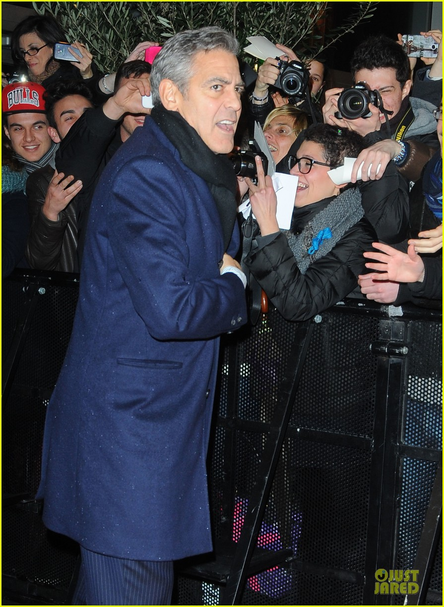 george clooney matt damon monuments men milan premiere 07