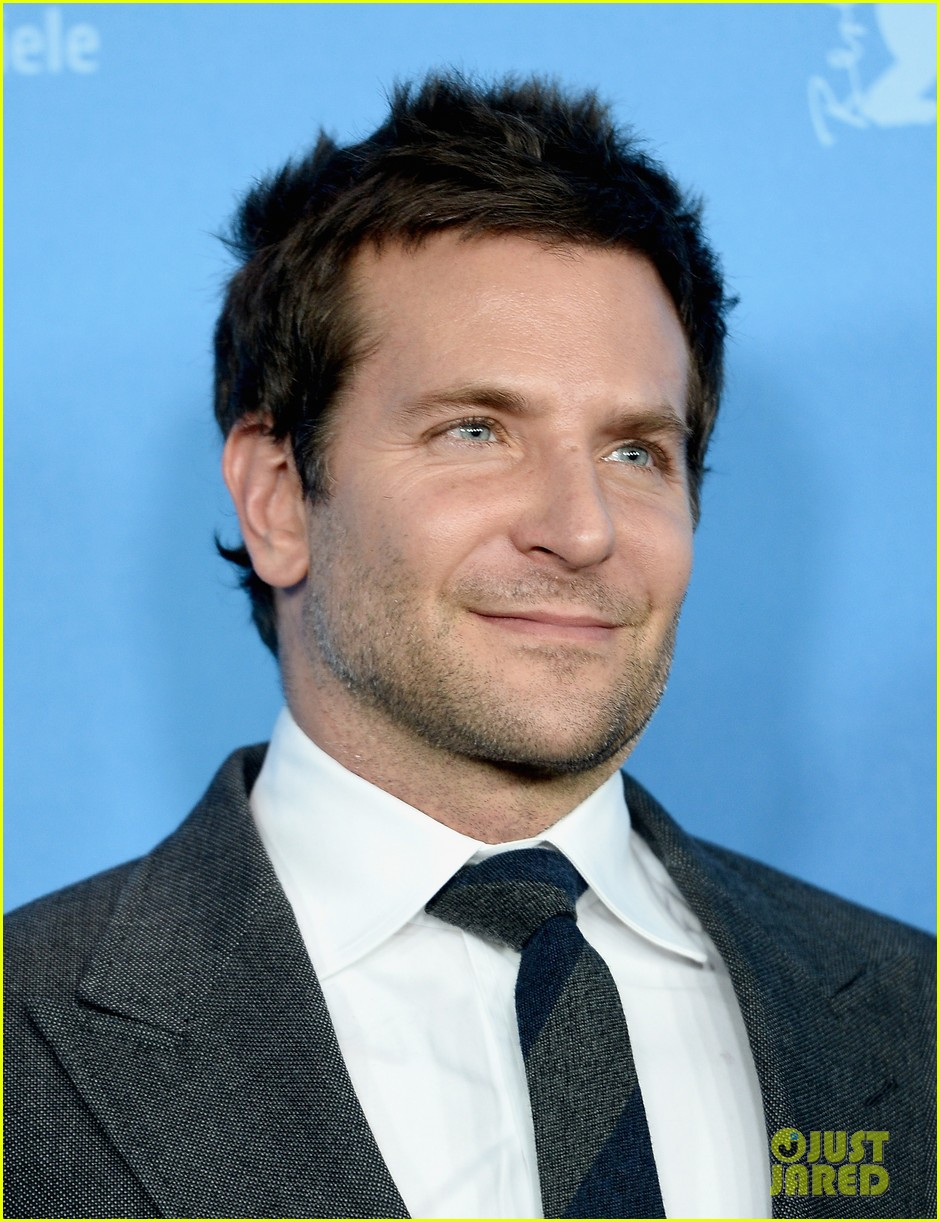 bradley cooper christian bale american hustle berlinale photo call 033049194