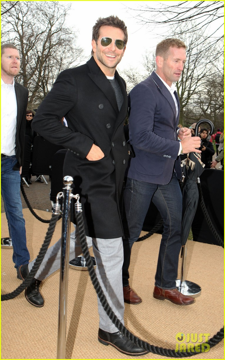 bradley cooper supports girlfriend suki waterhouse at burberry prorsum show 06