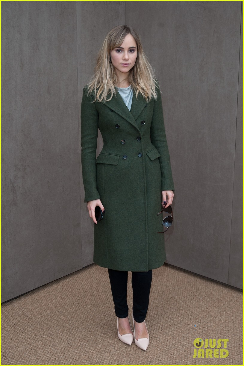 bradley cooper supports girlfriend suki waterhouse at burberry prorsum show 09