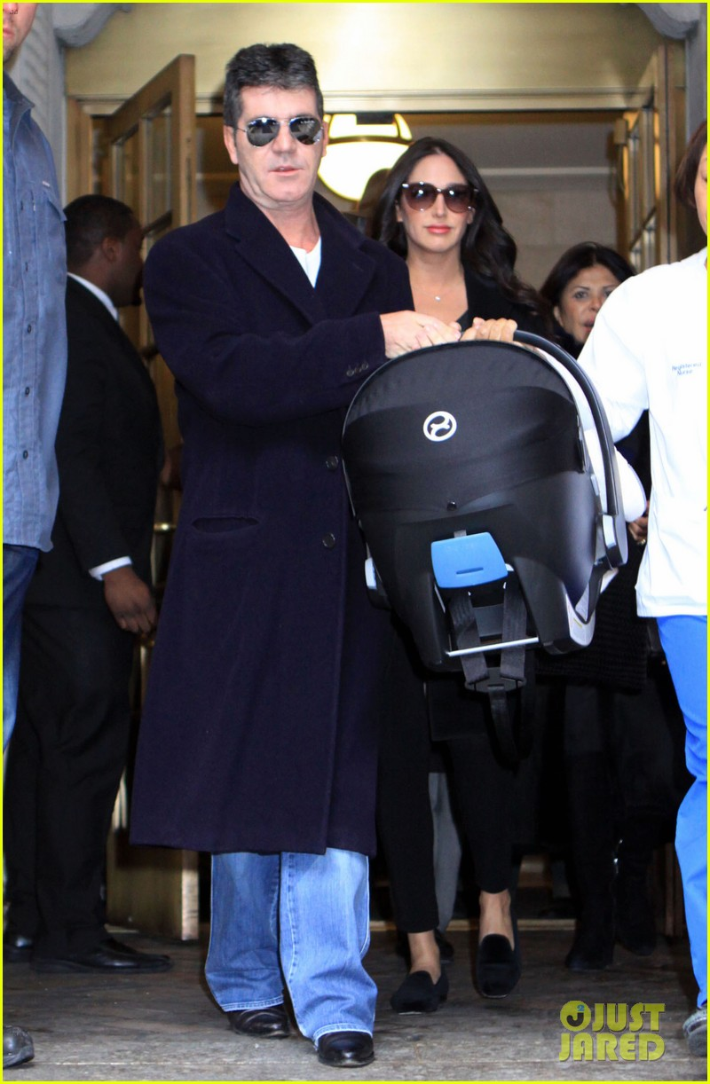 simon cowell lauren silverman leave hospital with baby eric 053054729
