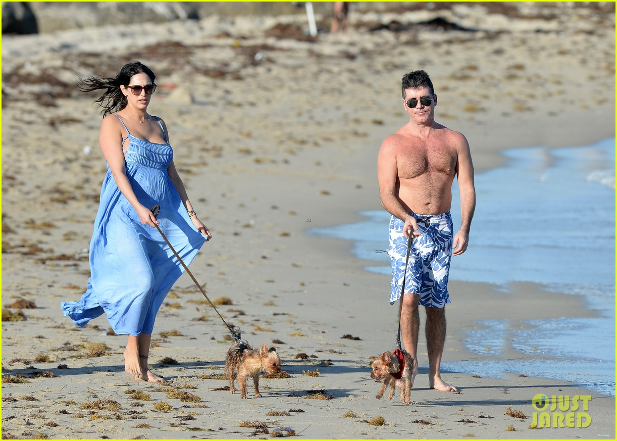 shirtless simon cowell and lauren silverman post baby beachside stroll 143059193
