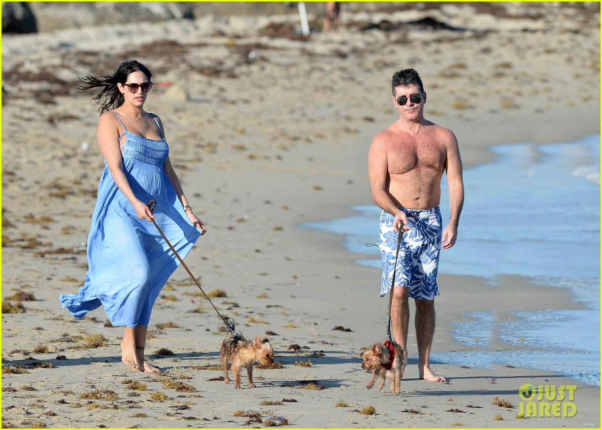 shirtless simon cowell and lauren silverman post baby beachside stroll 143059193