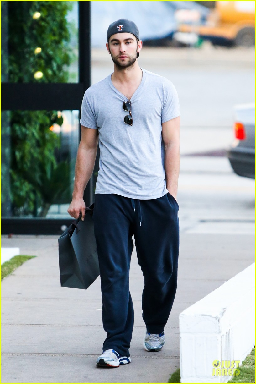chace crawford i play dianna agron douchey boyfriend on glee 100th episode 01