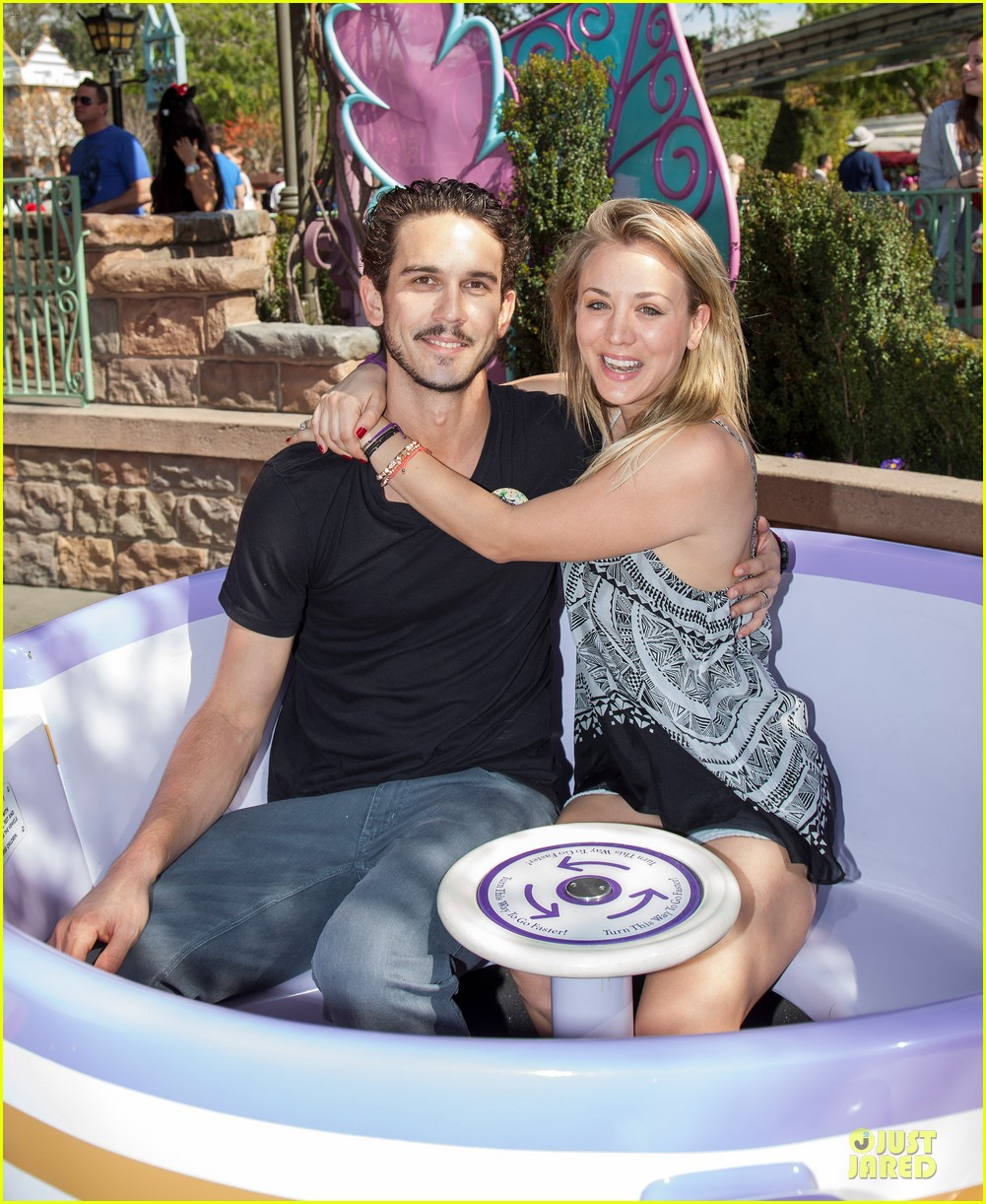 kaley cuoco and ryan sweeting kiss on his first trip to disneyland 03