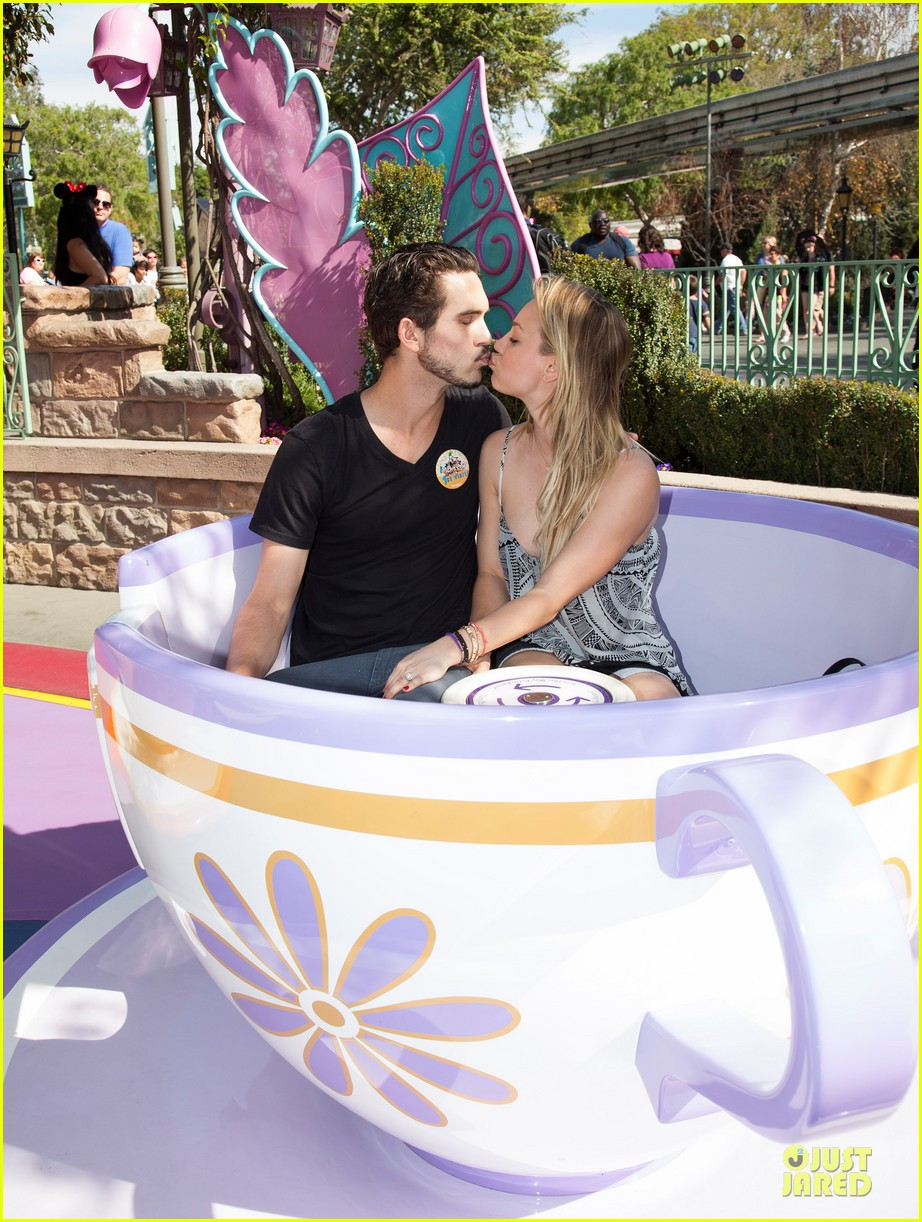 kaley cuoco and ryan sweeting kiss on his first trip to disneyland 04