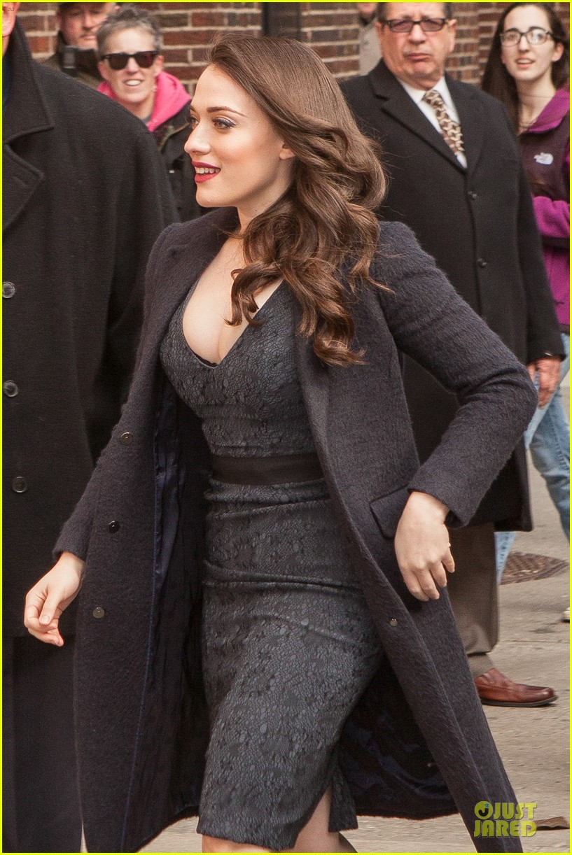 kat dennings bares cleavage for 2 broke girls promo tour 07
