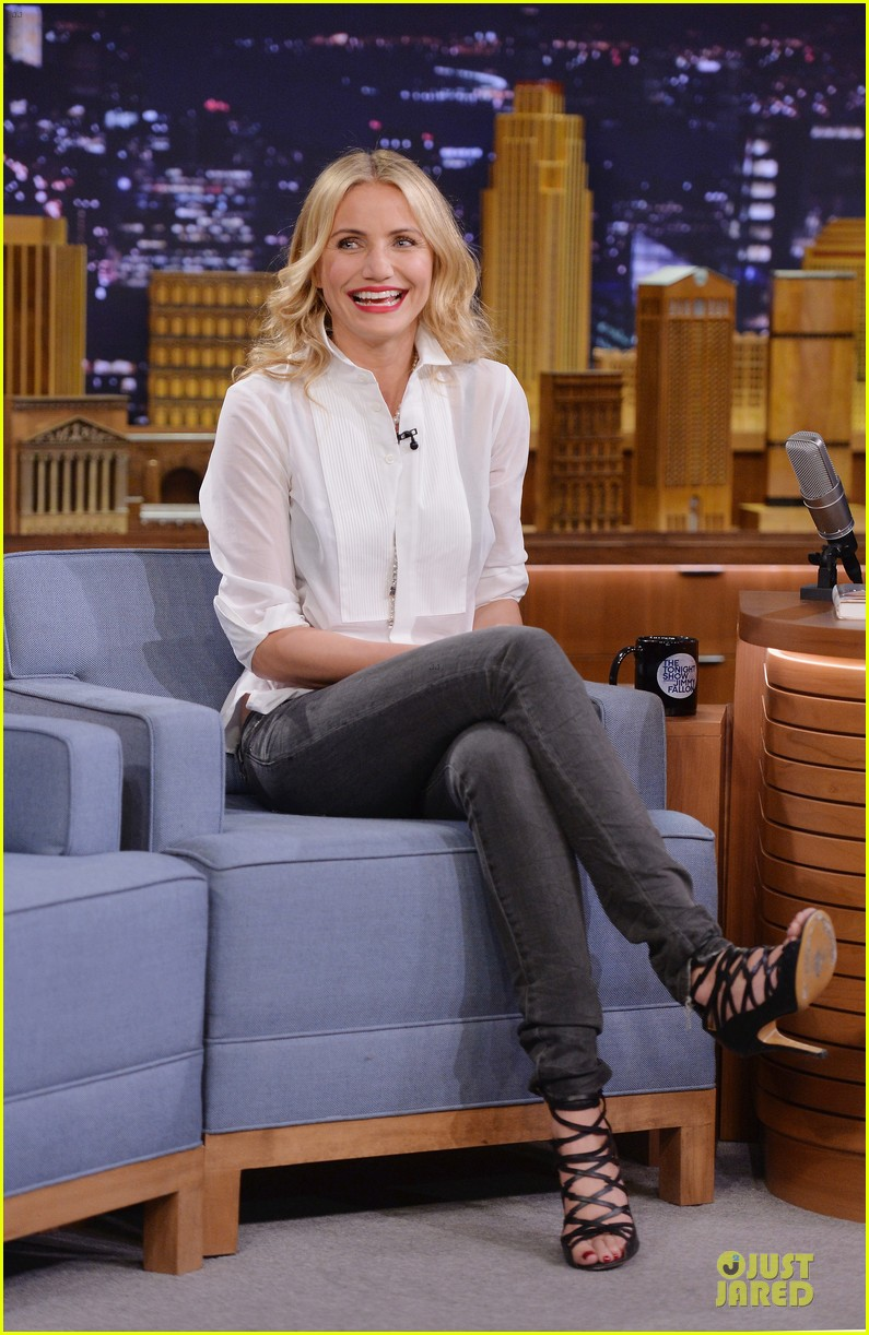 cameron diaz jimmy fallon share huge pants for tonight show dance 07