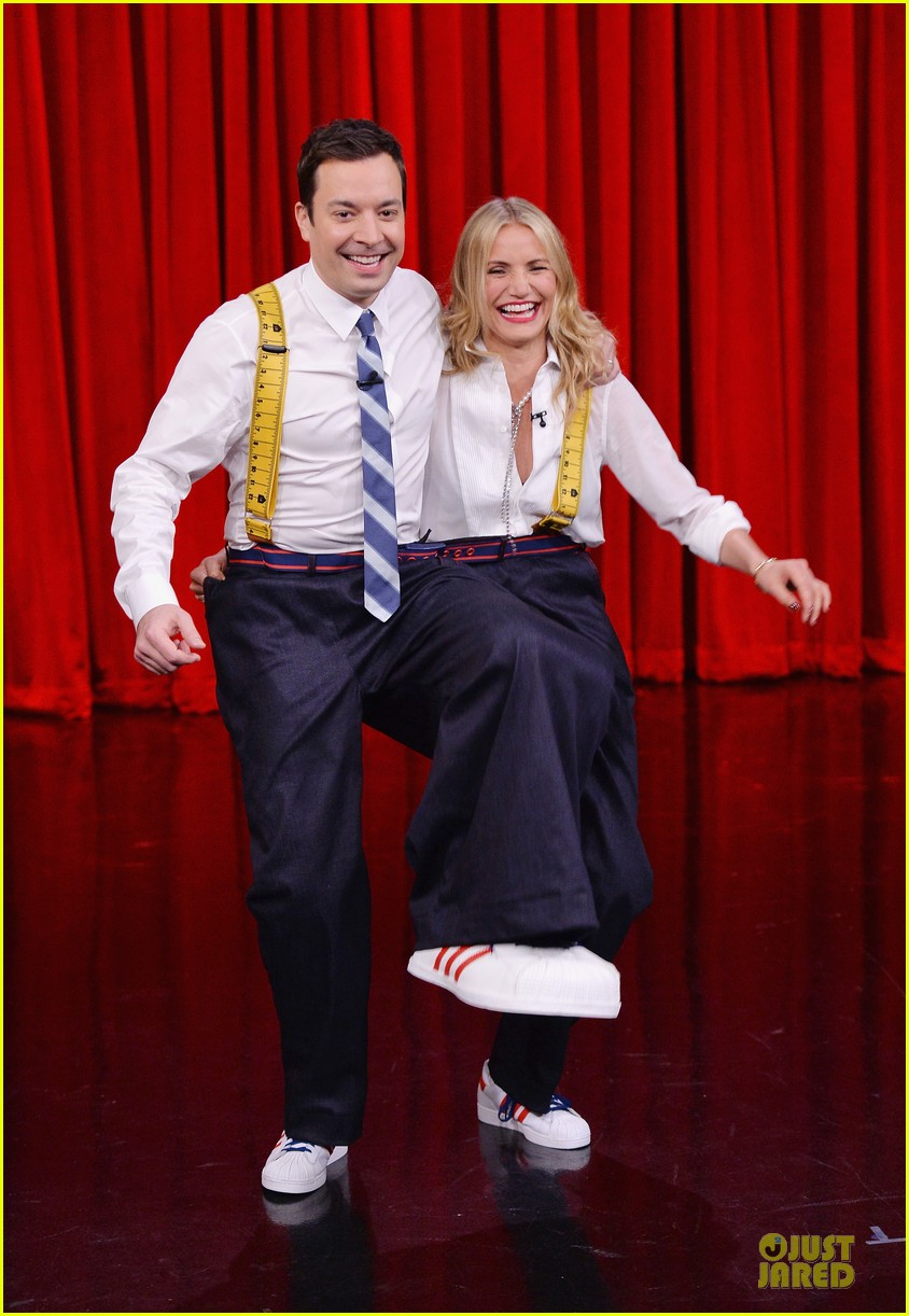 cameron diaz jimmy fallon share huge pants for tonight show dance 093062558