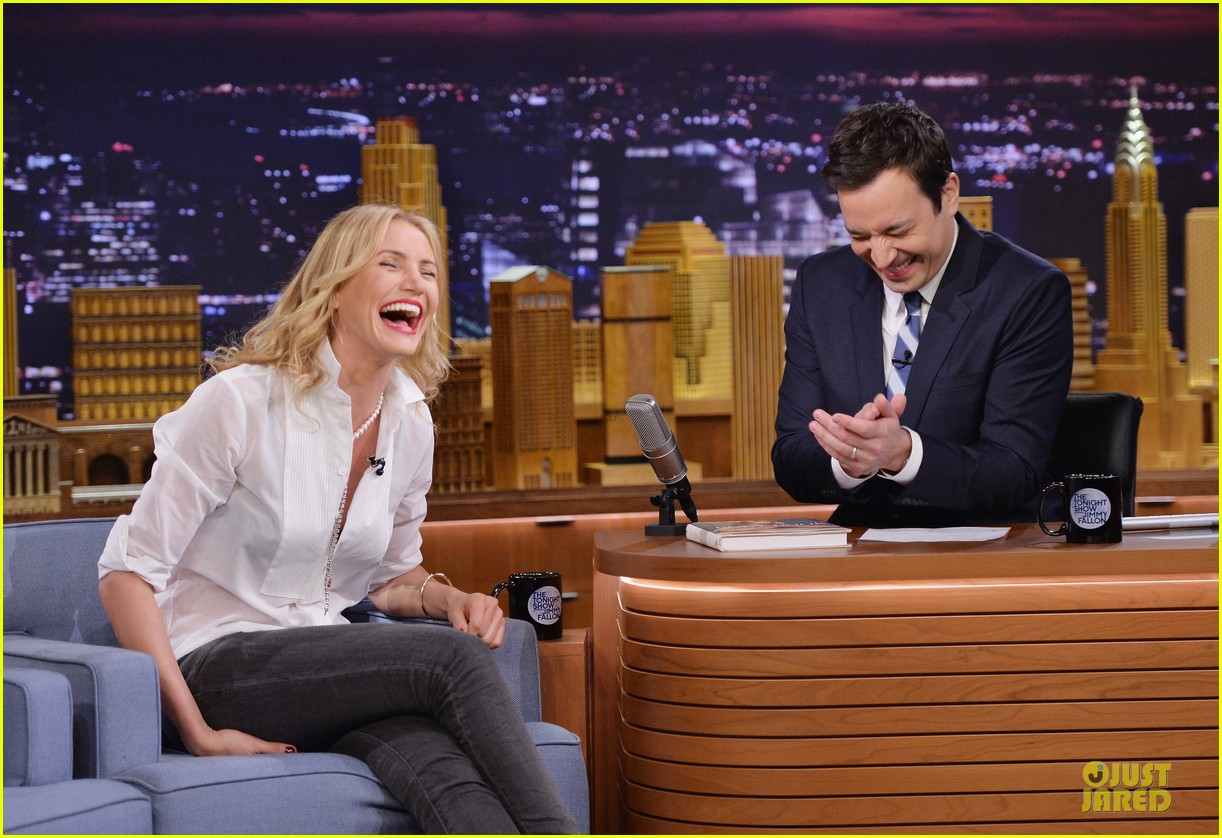 cameron diaz jimmy fallon share huge pants for tonight show dance 12