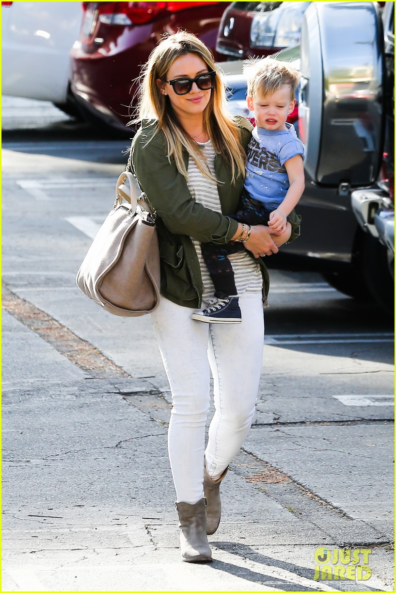 hilary duff beverly hills shopper with son luca 053057882