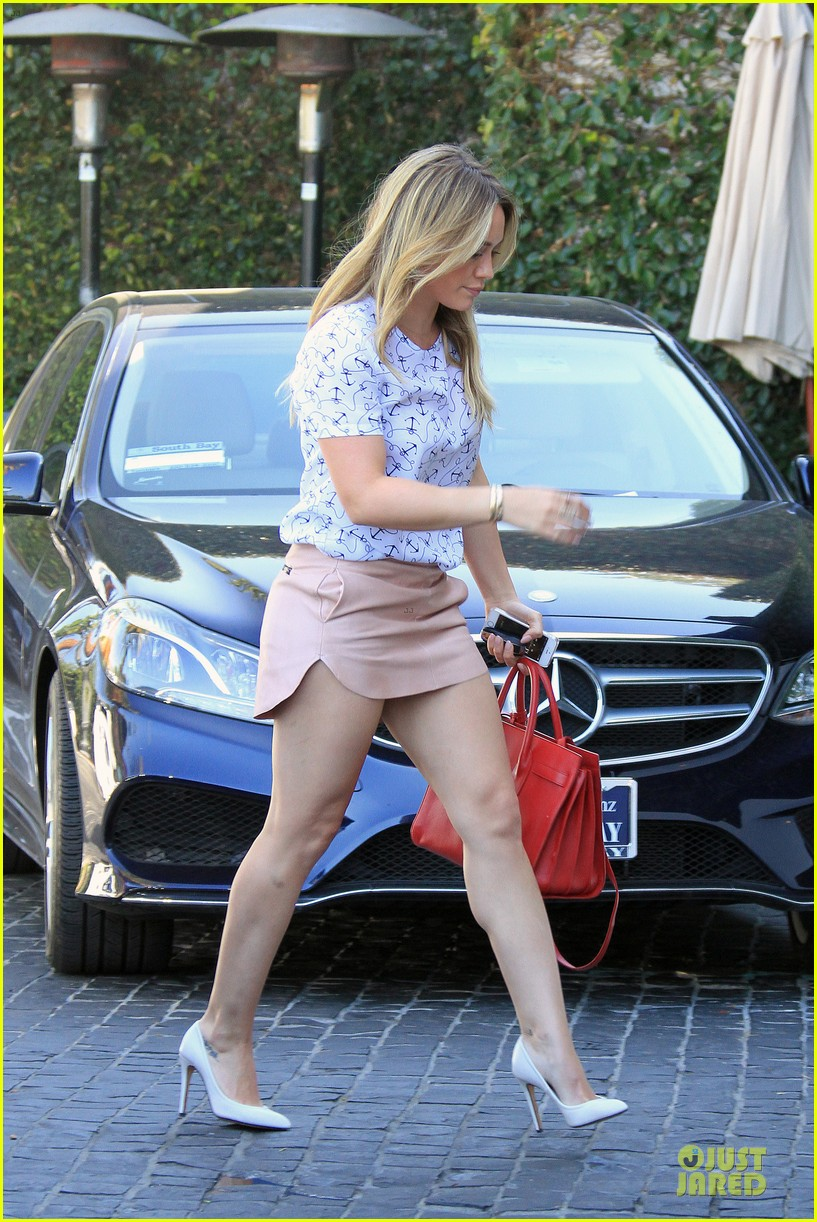 hilary duff groping allowed at cecconis 08