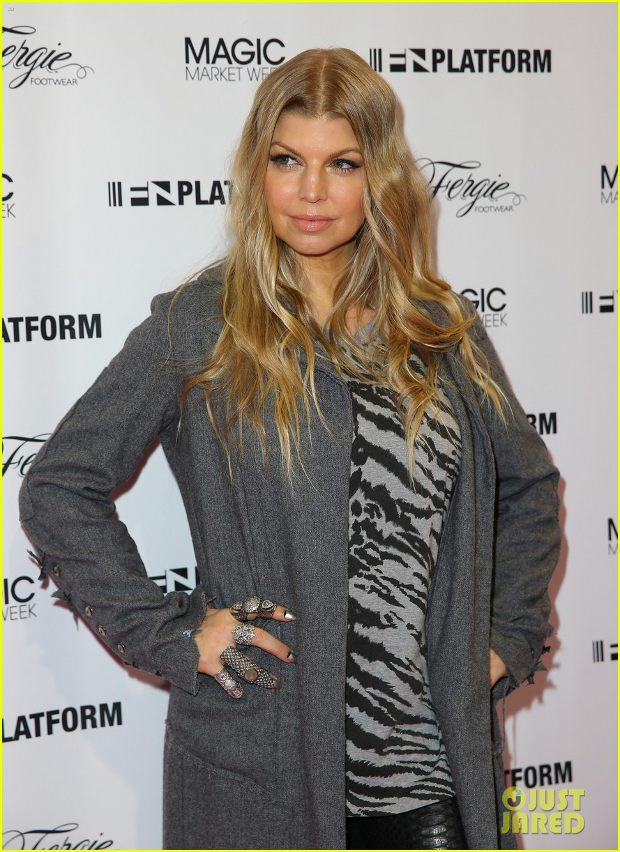 fergie says hubby josh duhamel is the dad of the year 02