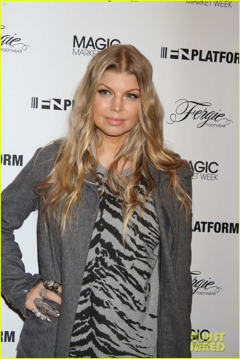 fergie says hubby josh duhamel is the dad of the year 08
