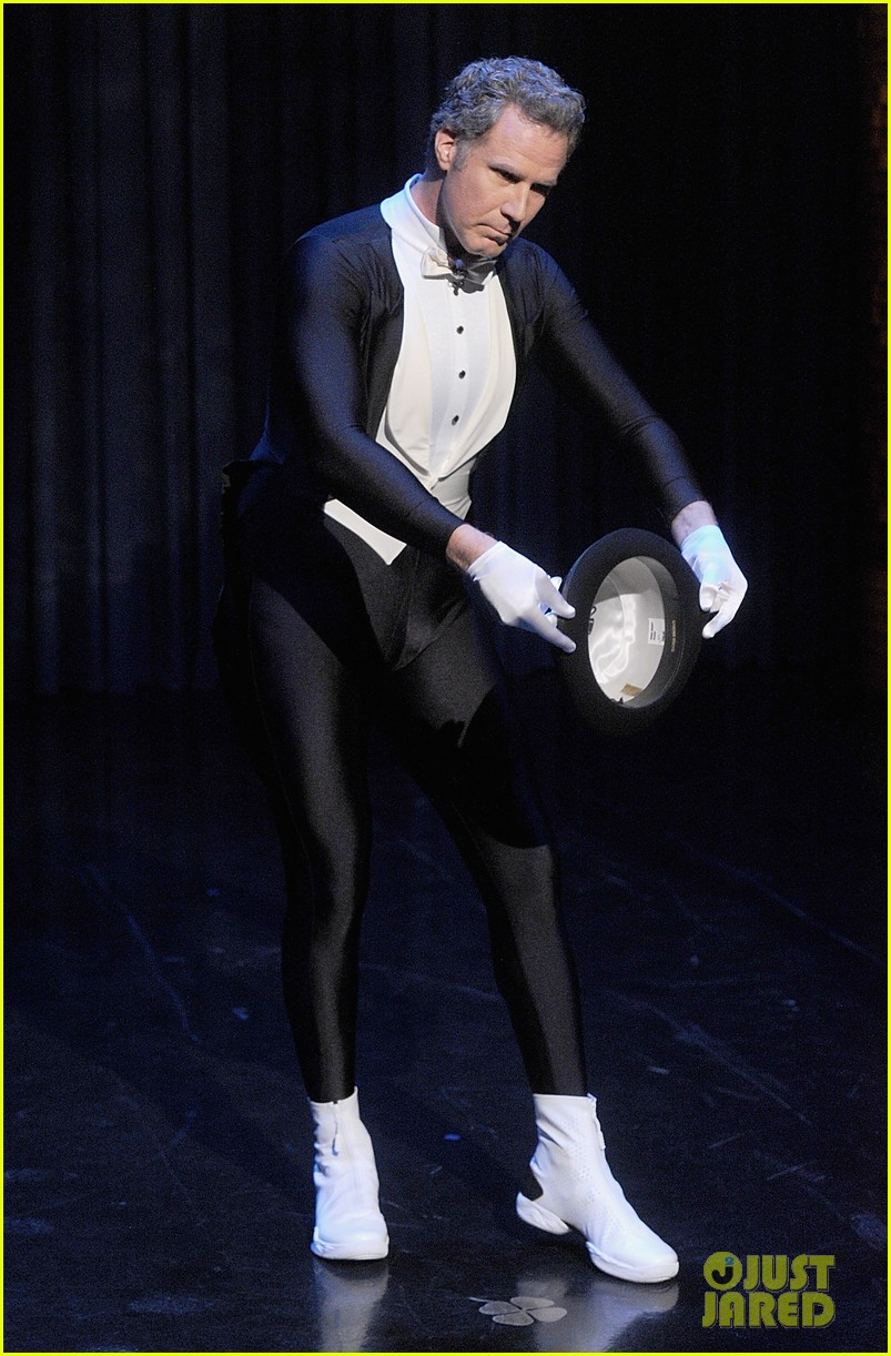 http://cdn02.cdn.justjared.com/wp-content/uploads/2014/02/ferrell-figure/will-ferrell-figure-skates-to-the-downton-abbey-theme-video-04.jpg