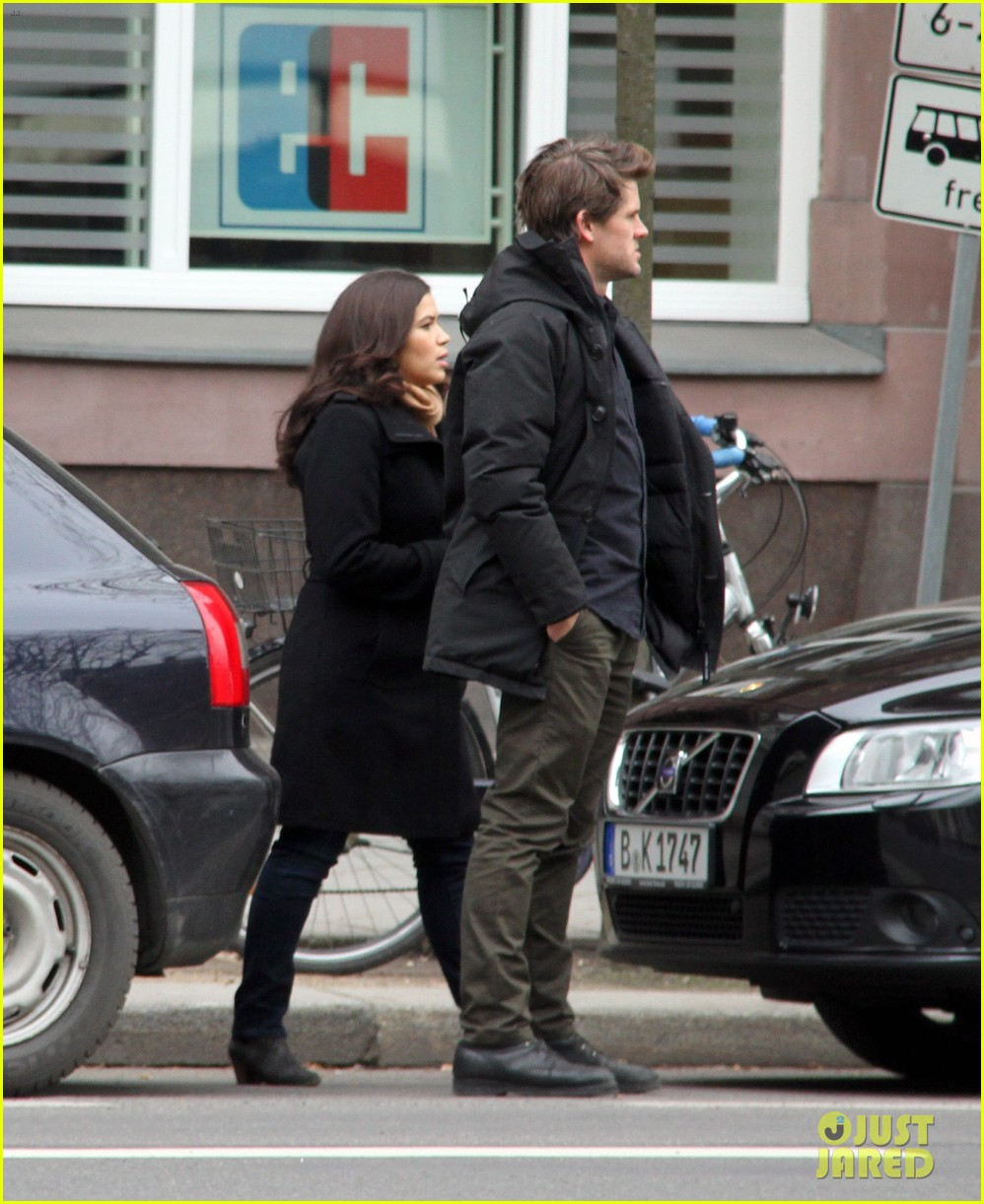 america ferrera goes sightseeing in berlin with her husband 09