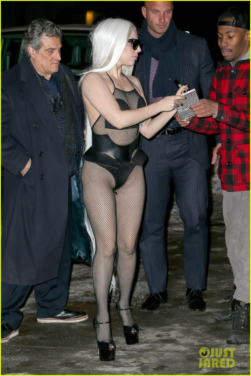 lady gaga wears almost nothing in freezing new york weather 123055343