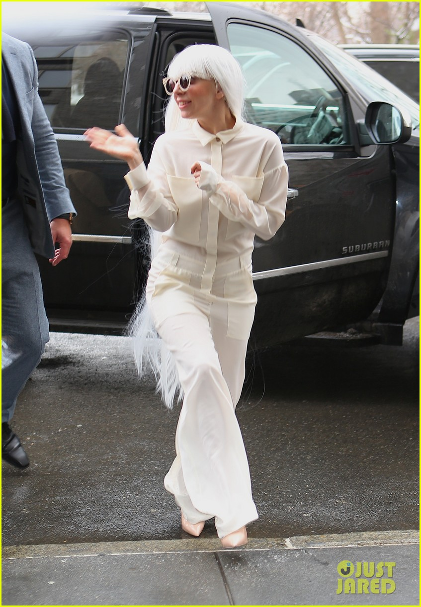 lady gaga so excited to perform on tonight show this evening 023055716