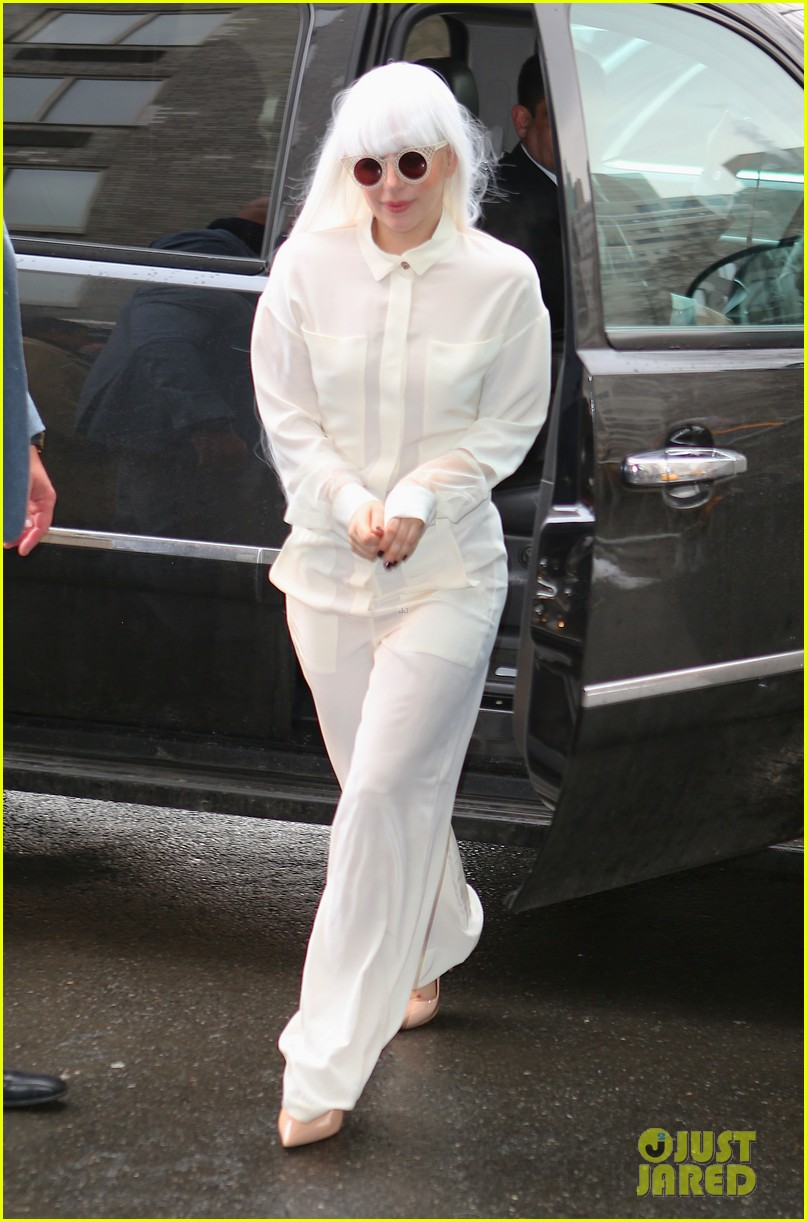 lady gaga so excited to perform on tonight show this evening 04