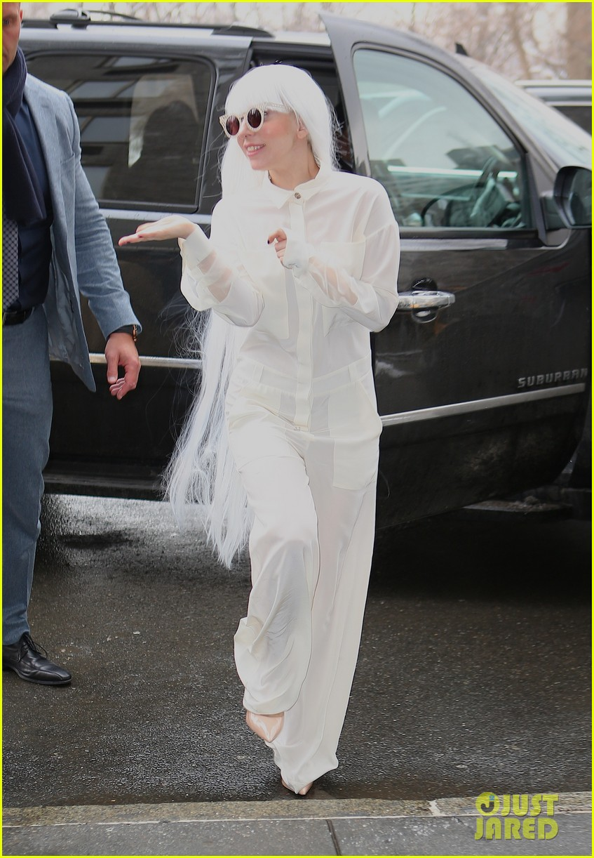 lady gaga so excited to perform on tonight show this evening 13