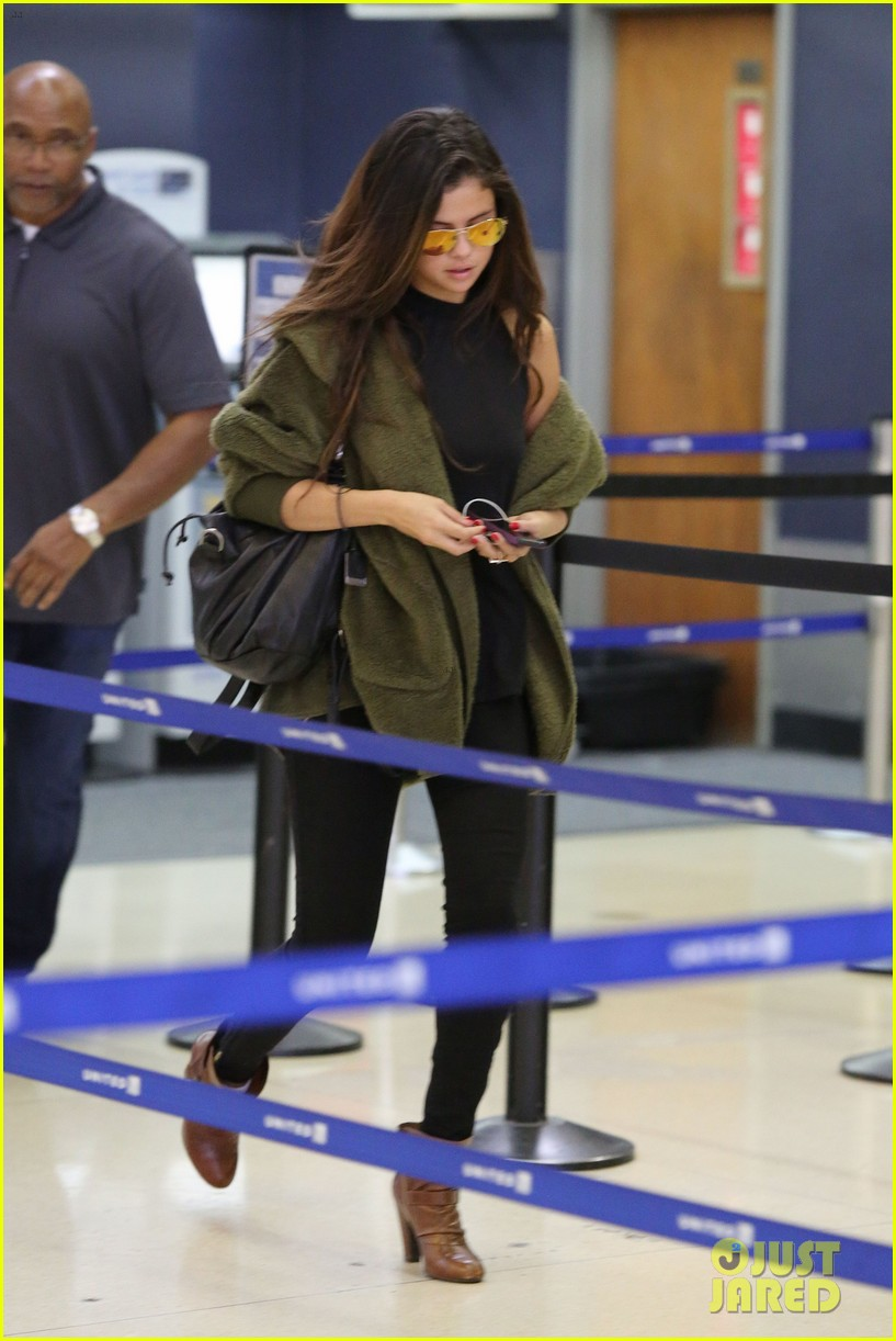 selena gomez is back in los angeles after quick trip away 14