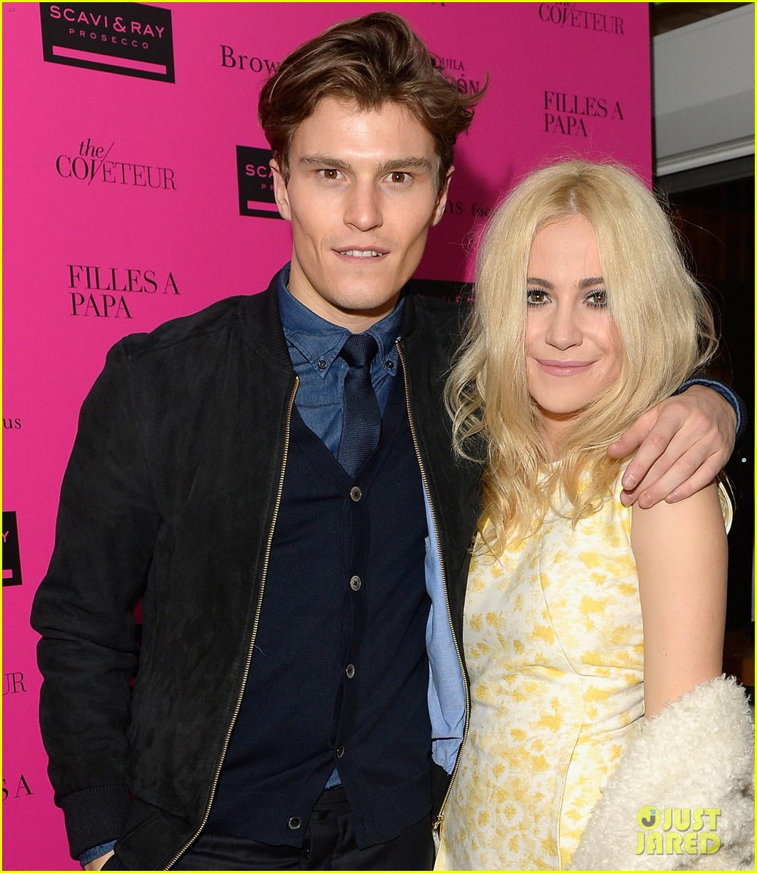 ellie goulding london fashion week party with pixie lott 043055500