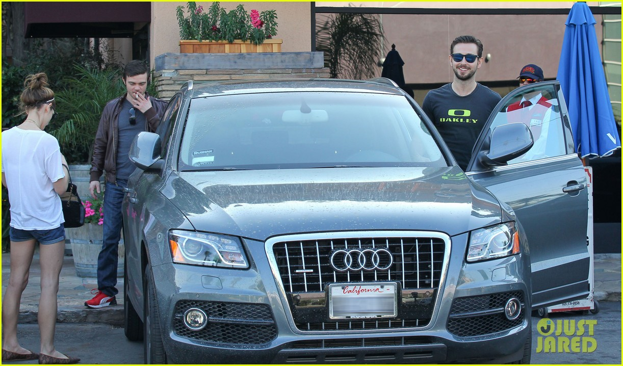 ashley greene paul khoury look so happy while lunching with friends 03
