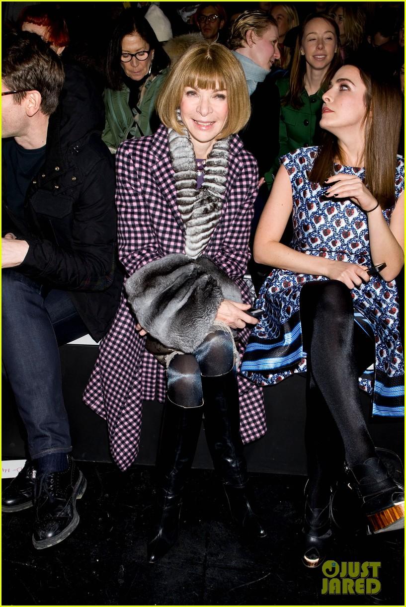 hailee steinfeld prabal gurung fashion show 13