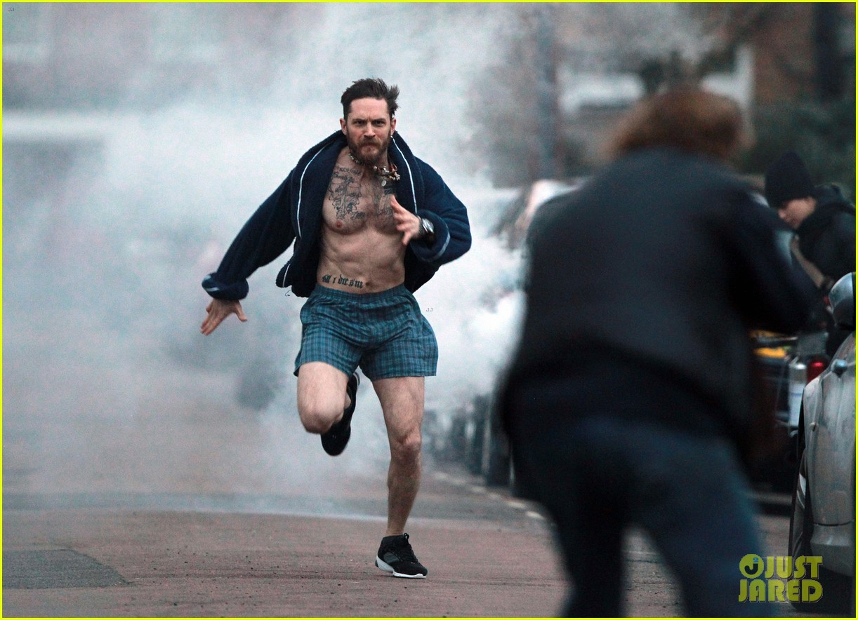 tom hardy runs shirtless in his boxers for stand up to cancer 01