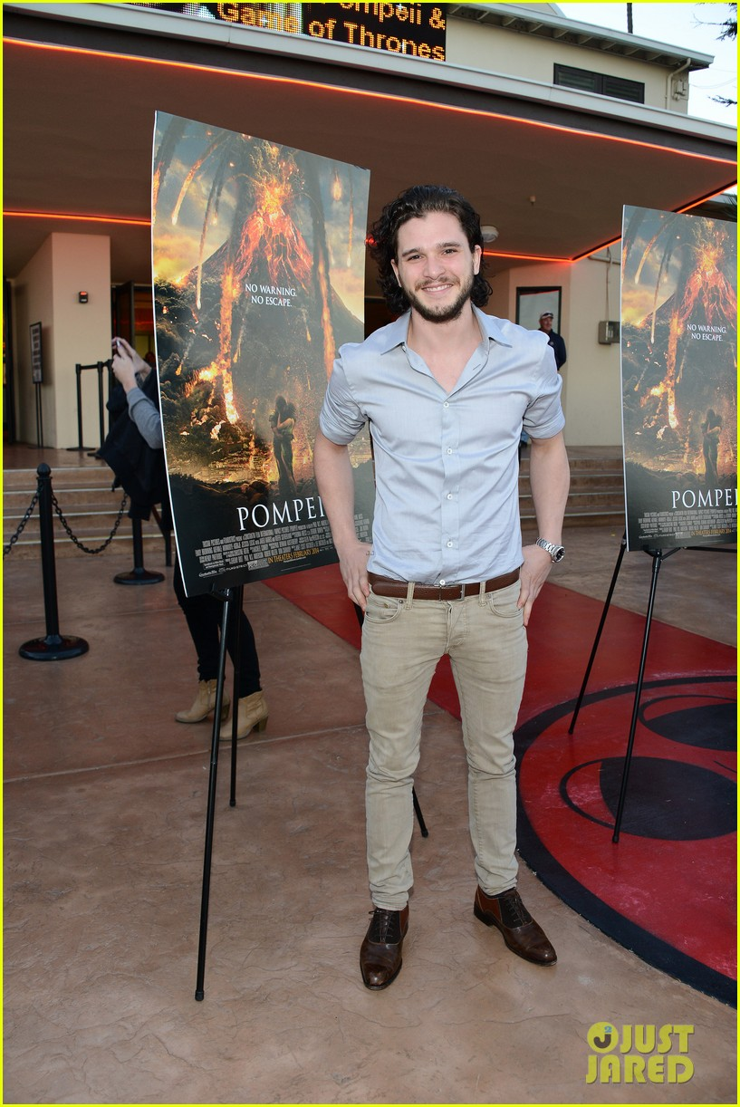 kit harington brings his movie pompeii to miramar naval base 073050750