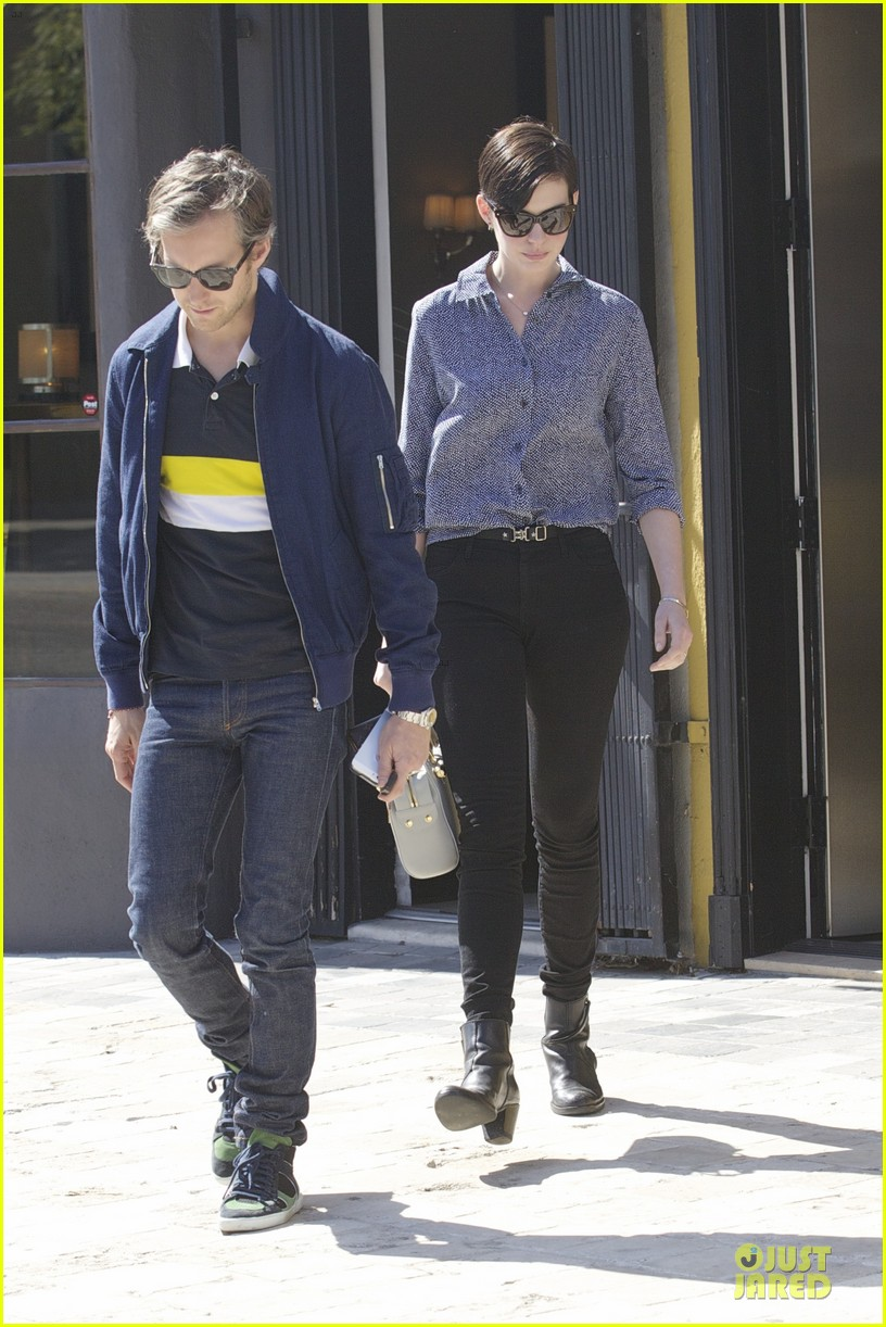 anne hathaway adam shulman west hollywood shopping duo 01