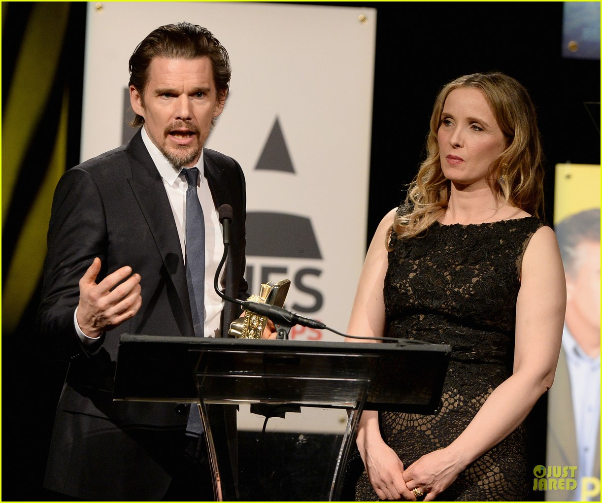 ethan hawke will forte suits aarp movies for grownups awards 063051148