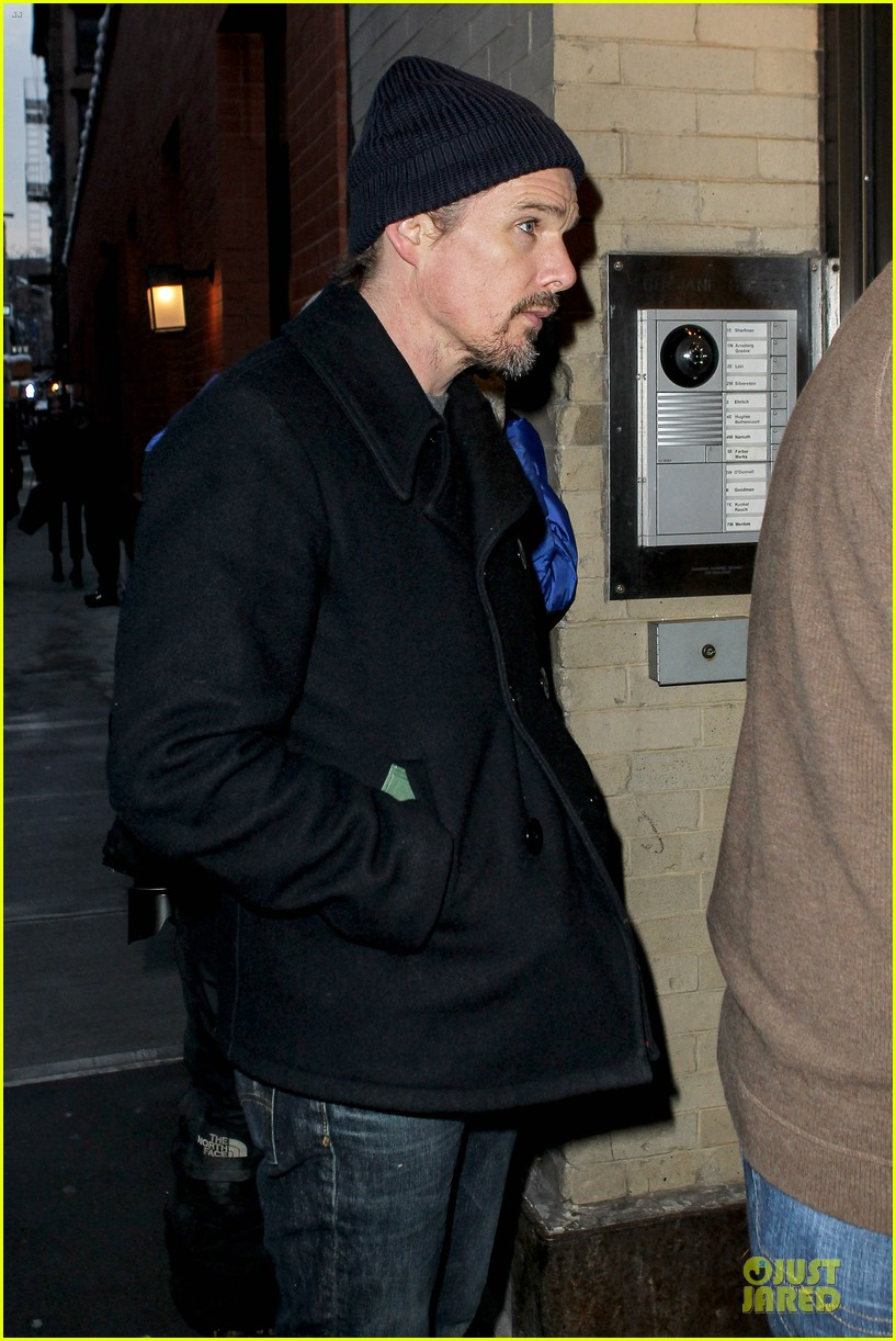 ethan hawke visits mimi odonnell following philip seymour hoffman death 05