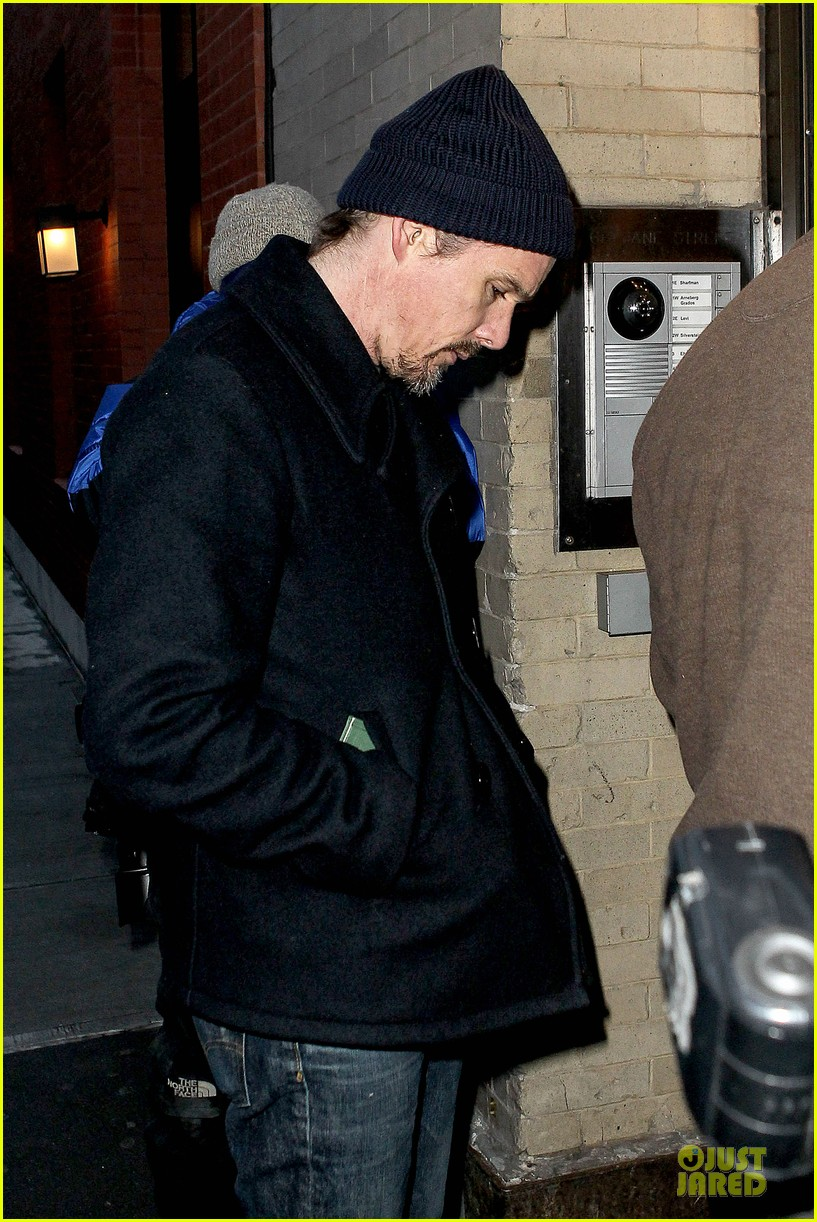 ethan hawke visits mimi odonnell following philip seymour hoffman death 09
