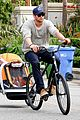 chris hemsworth supports sean penns jp hro foundation on daddy duty with india 07
