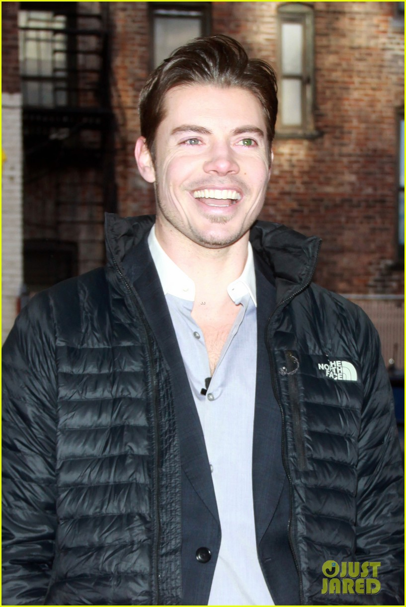 josh henderson hosts dallas season 3 viewing party 093060231