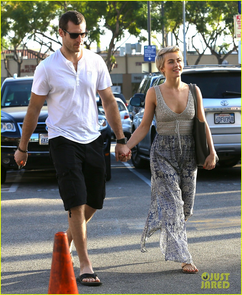 julianne hough new boyfriend brooks laich look so in love 10
