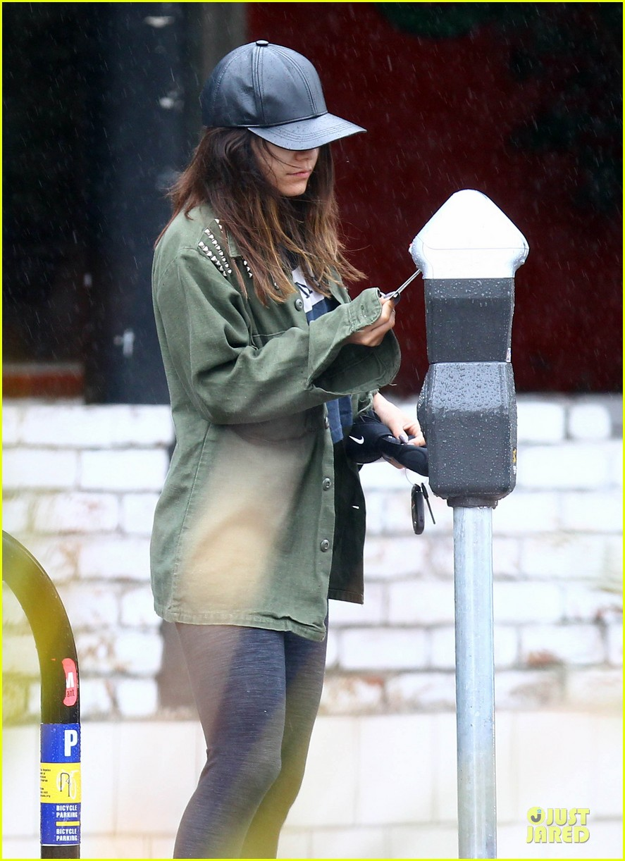 vanessa hudgens battles rain for pilates workout 043062450