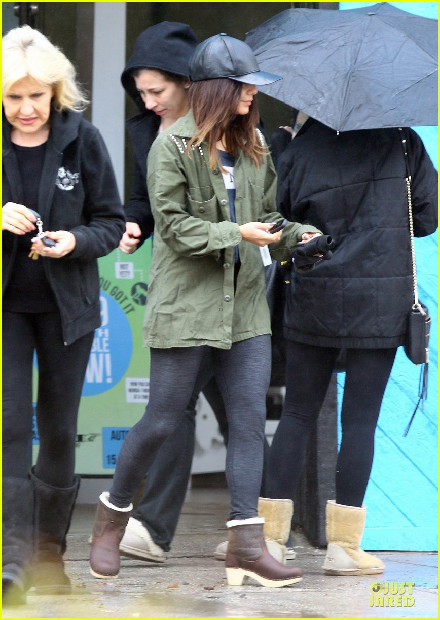 vanessa hudgens battles rain for pilates workout 05