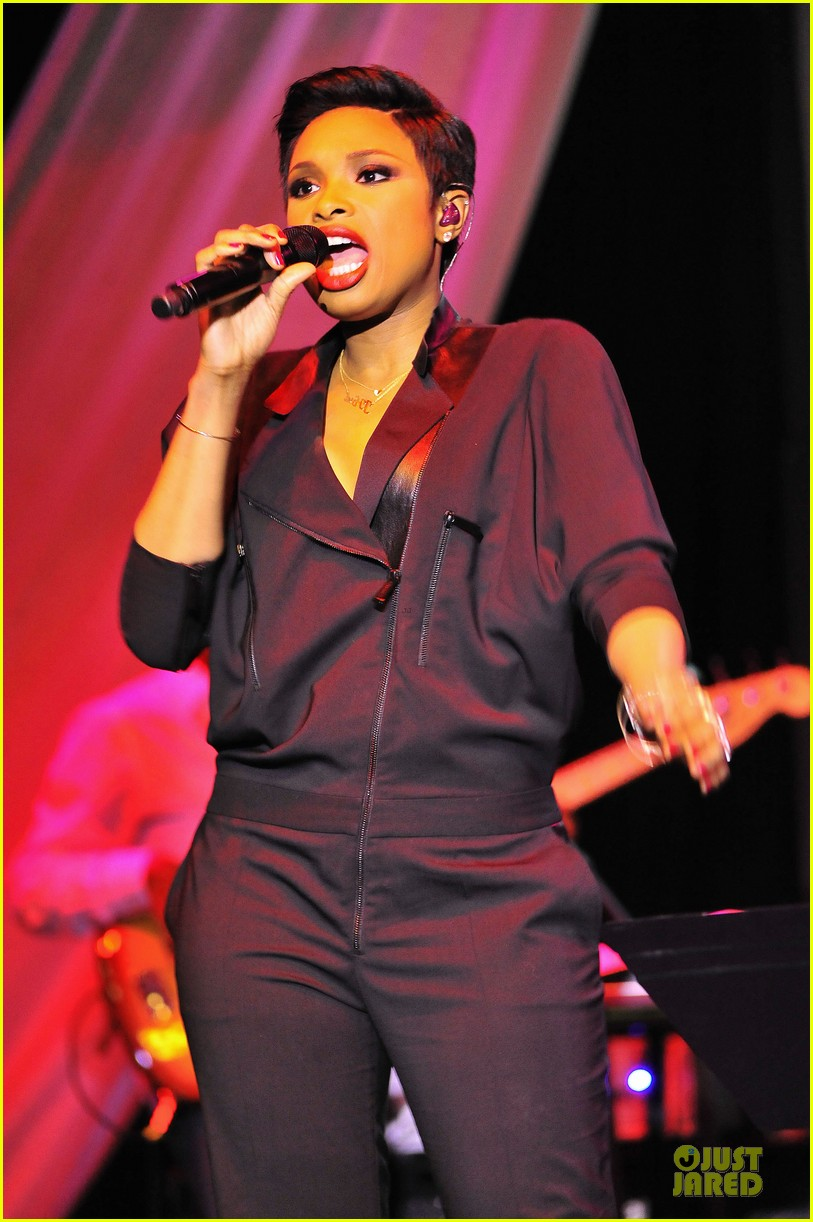 jennifer hudson gives the key for losing weight 07