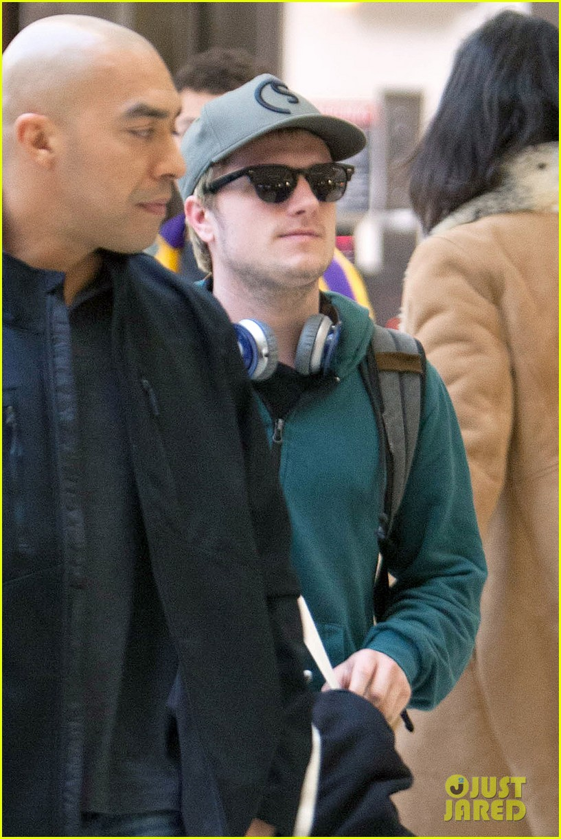 josh hutchersons love for his fans makes us love him more 01