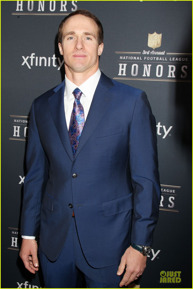 hugh jackman colin kaepernick suit up nfl honors 2014 123046393