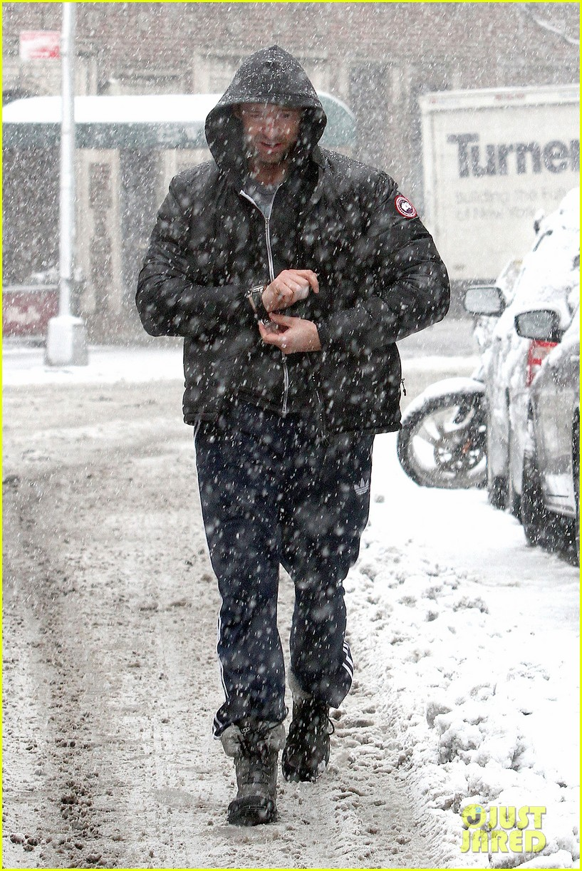 hugh jackman snowy workout after the super bowl 2014 053047339