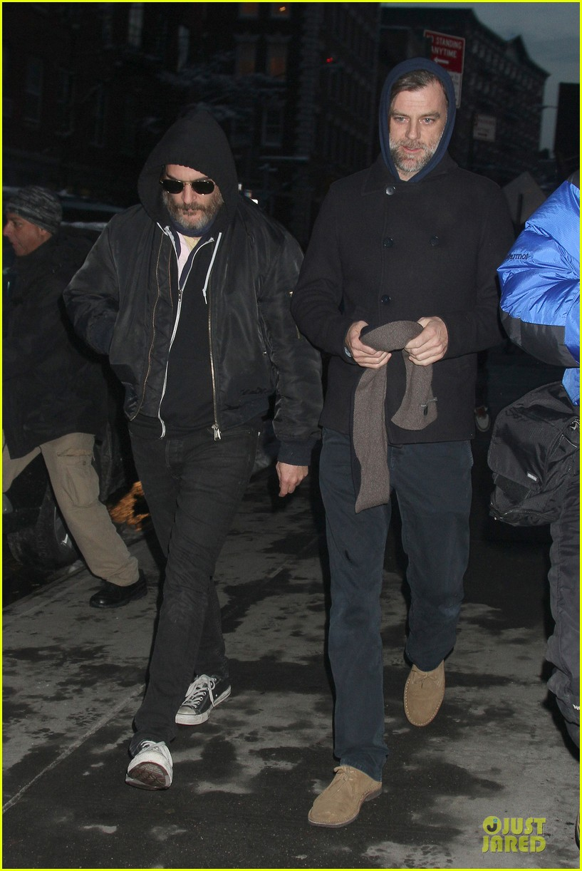 joaquin phoenix pays respects to philip seymour hoffman at mimi odonnell apartment 05