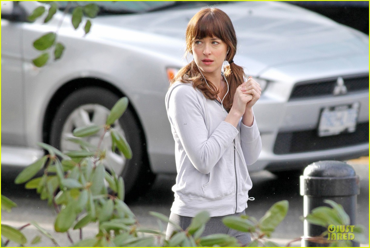 dakota johnson runs for fifty shades in pigtails 08